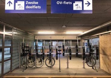Onze deelfietsen op station Zwolle